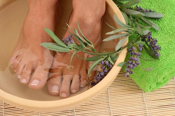 лечебные ванночки для ног с отварами трав