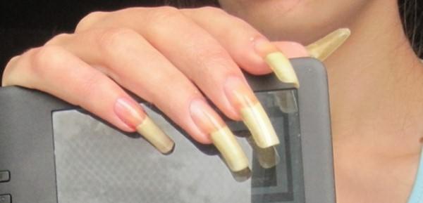 длинные ногти у дам