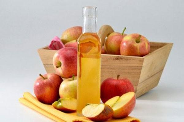удаление яблочным уксусом